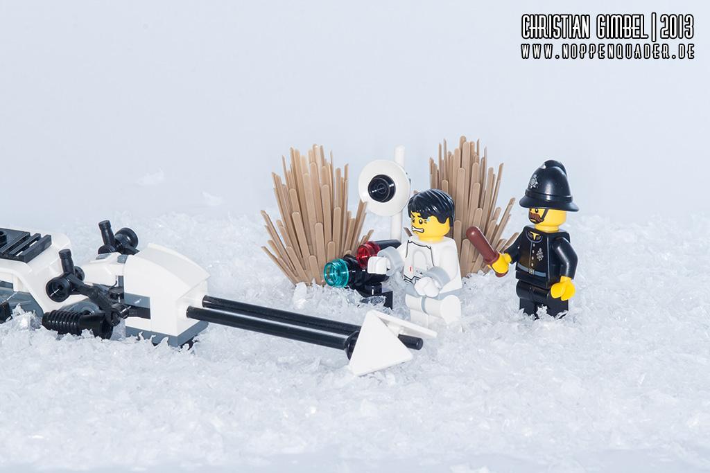 Lego StarWars Speederpilot wird durch Constable aufgrund eines Geschwindigkeitsverstoßes abgeführt - Artikelbild