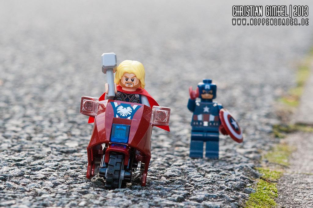 Lego MoTHORrad Thor klaut Captain America das Motorrad - Artikelbild