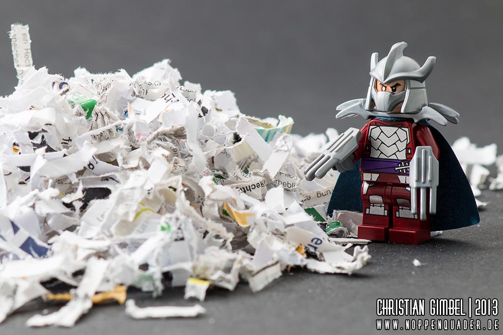 Lego Shredder mit Papierhaufen - Noppenquader - Artikelbild